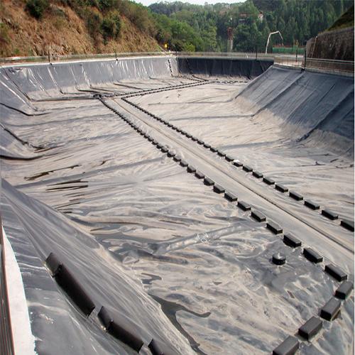 调蓄工程防渗复合土工膜选材设计