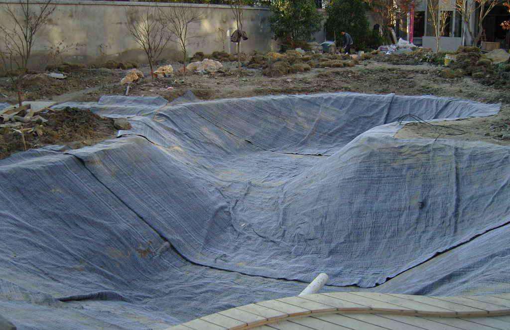 复合防水毯防止固体垃圾产生的淋滤液污染