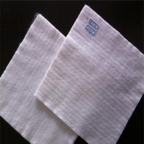 相同原料和面密度的短纤针刺土工布对比