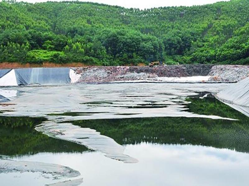 HDPE土工膜与工业固体废物之间的关系