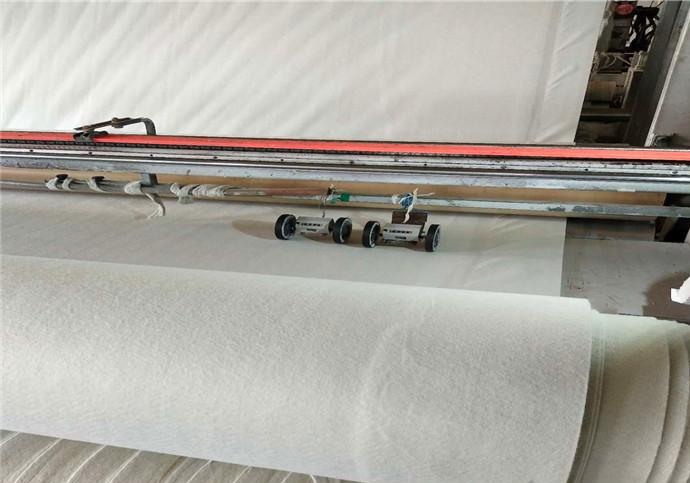 水库采取两布一膜防渗需注意的问题