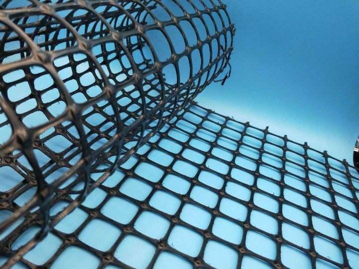 土工格栅加筋土挡土墙拉筋材料的工程特性(拉伸特性)